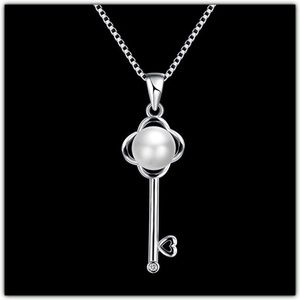 Jewelry - 🆕 925 Sterling Silver Key Pendent Necklace